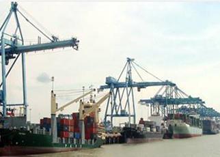 CT5 Whart and Access Bridges at Westport Malaysia